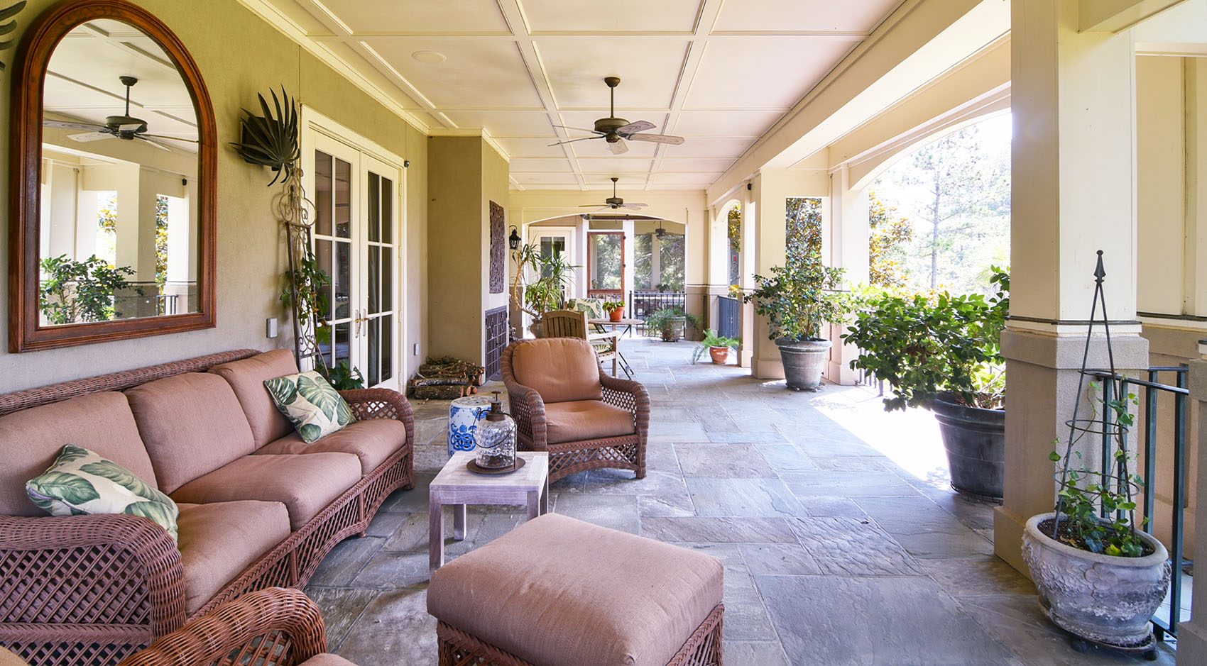 Outdoor living space in Charleston SC
